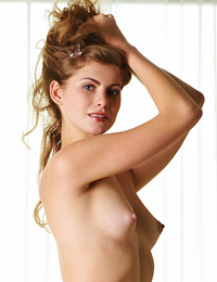 Model katsia in strawberry blond