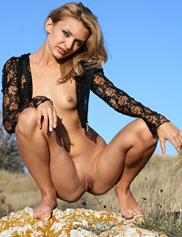 Model mia in open country